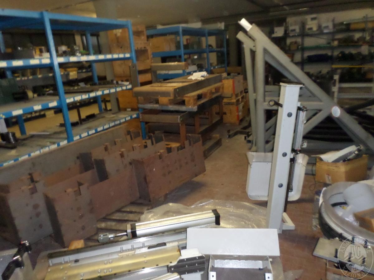 Importante magazzino componenti costruzione e ricambistica macchinari lavorazione legno 53