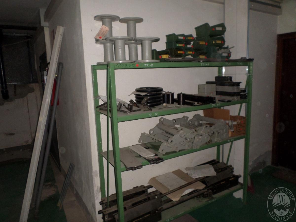 Importante magazzino componenti costruzione e ricambistica macchinari lavorazione legno 56