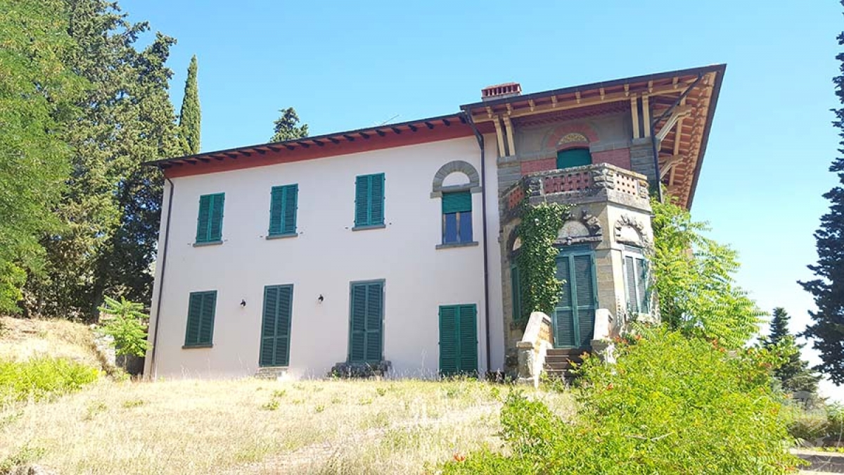 Villa a LORO CIUFFENNA