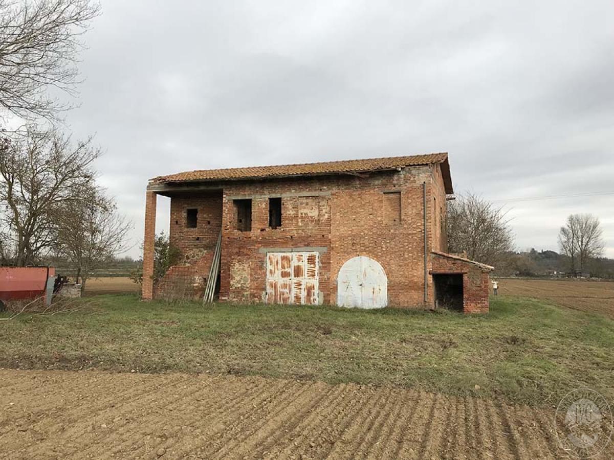 Fabbricato rurale e terreni a TORRITA DI SIENA in loc. Il Poderino