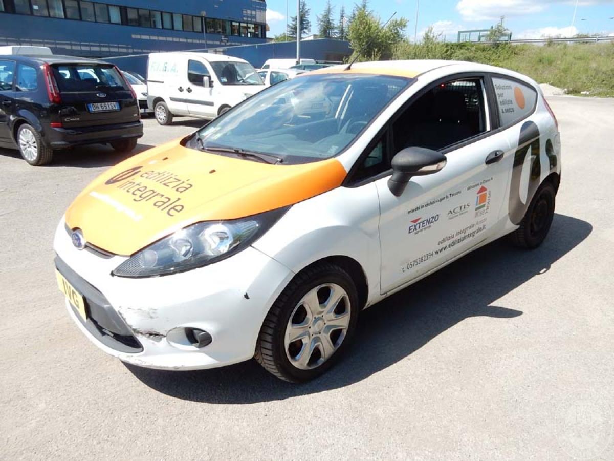 Autocarro Ford Fiesta anno 2012  GARA DI VENDITA 1 DICEMBRE 2018  VISIBILE PRESSO DEPOSITERIA IVG SIENA