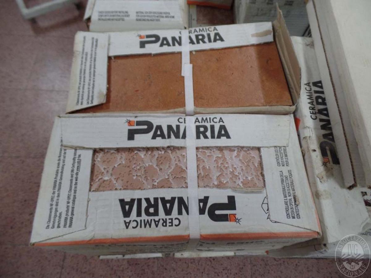 N. 50 pacchi di mattonelle + 2 rosoni   GARA DI VENDITA 6 APRILE 2019