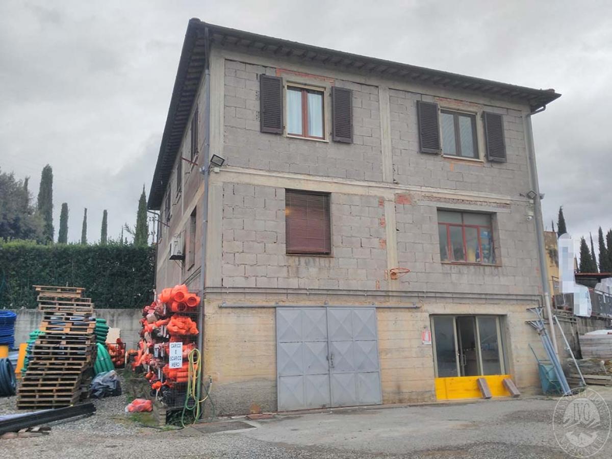 Appartamento e magazzino a CASTELNUOVO BERARDENGA 0