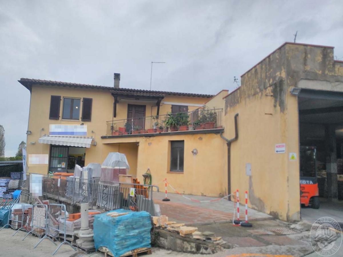 Appartamento e magazzino a CASTELNUOVO BERARDENGA 1