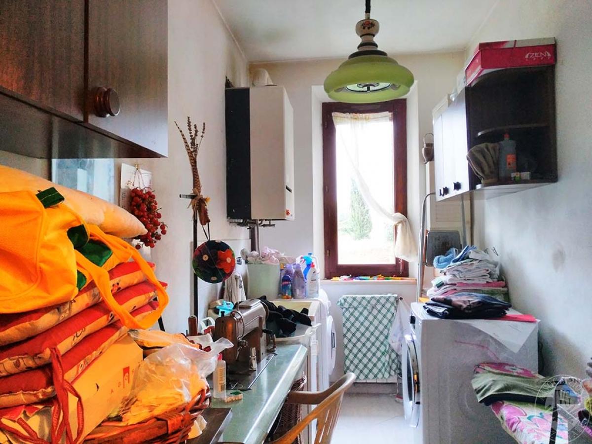 Appartamento e magazzino a CASTELNUOVO BERARDENGA 6
