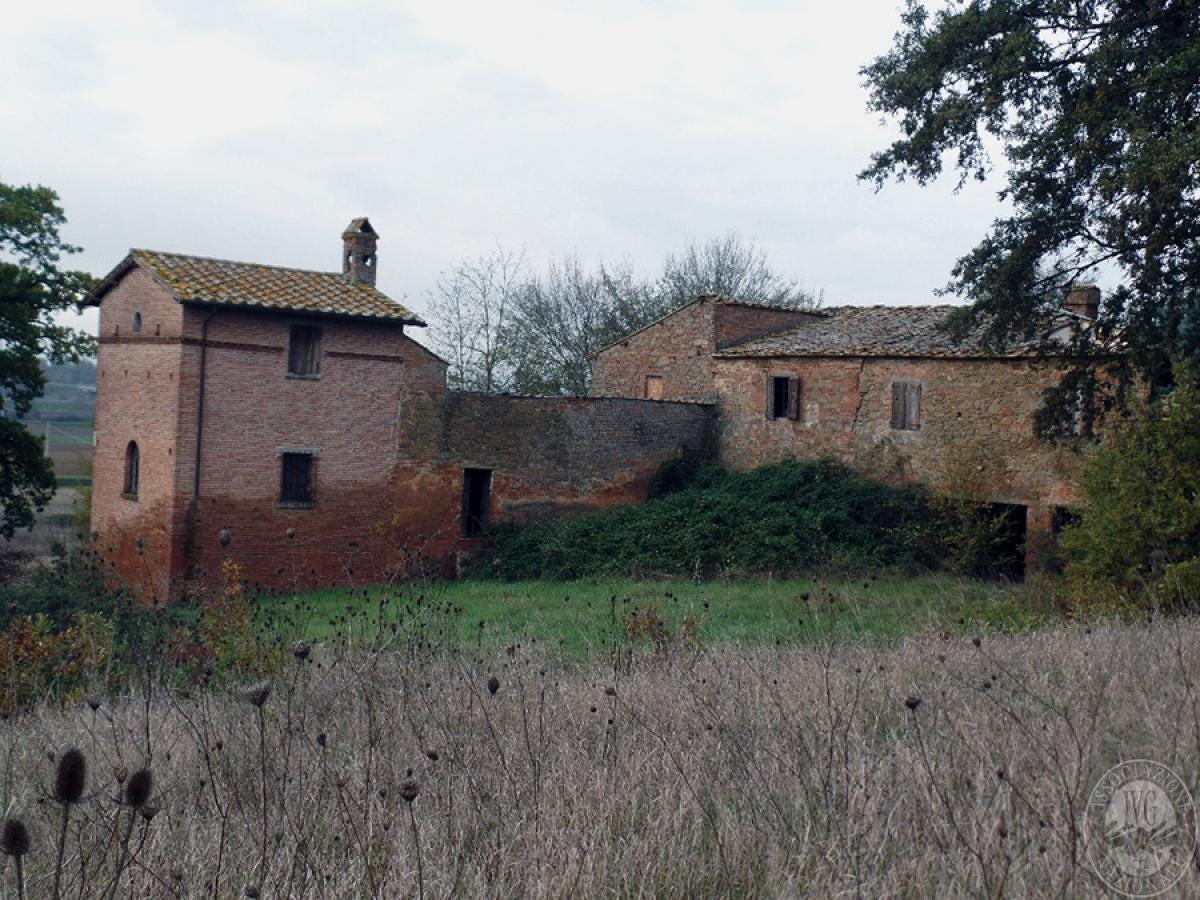 Edifici rurali e terreni a MONTE SAN SAVINO in loc. San Luciano