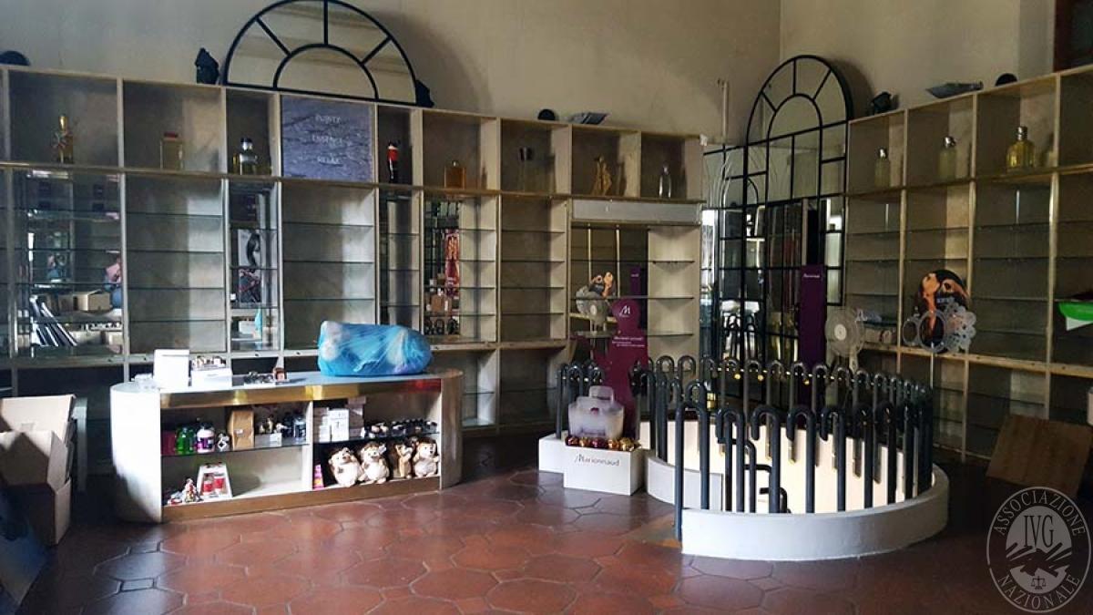 Negozio a MONTEVARCHI in Via Roma - Lotto B 7