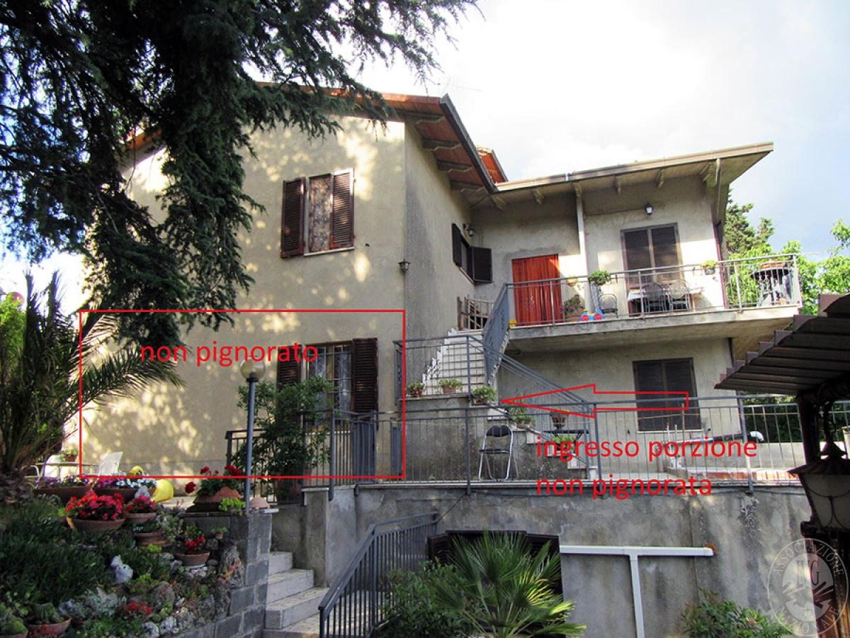 Appartamento a CHIUSI in loc. Montebello 1