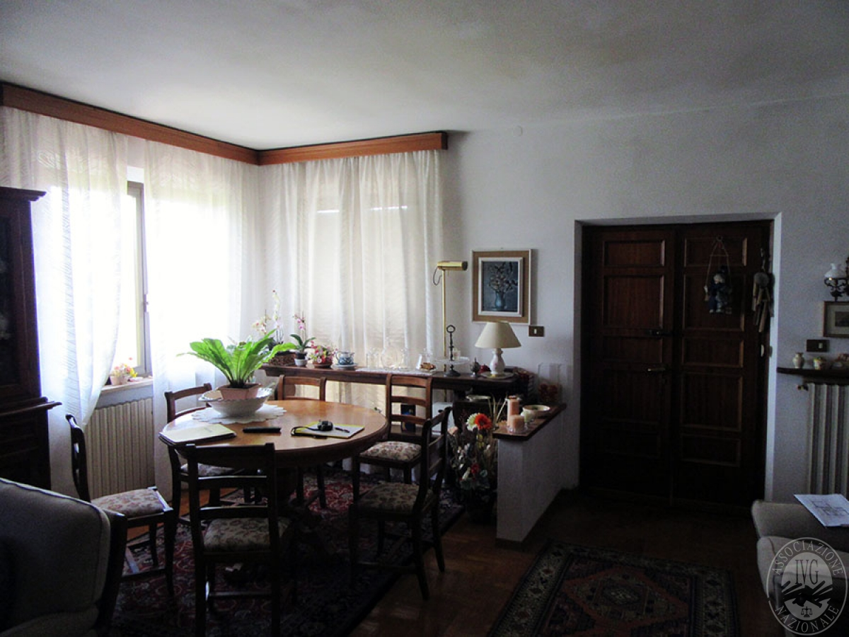 Appartamento a CHIUSI in loc. Montebello 3