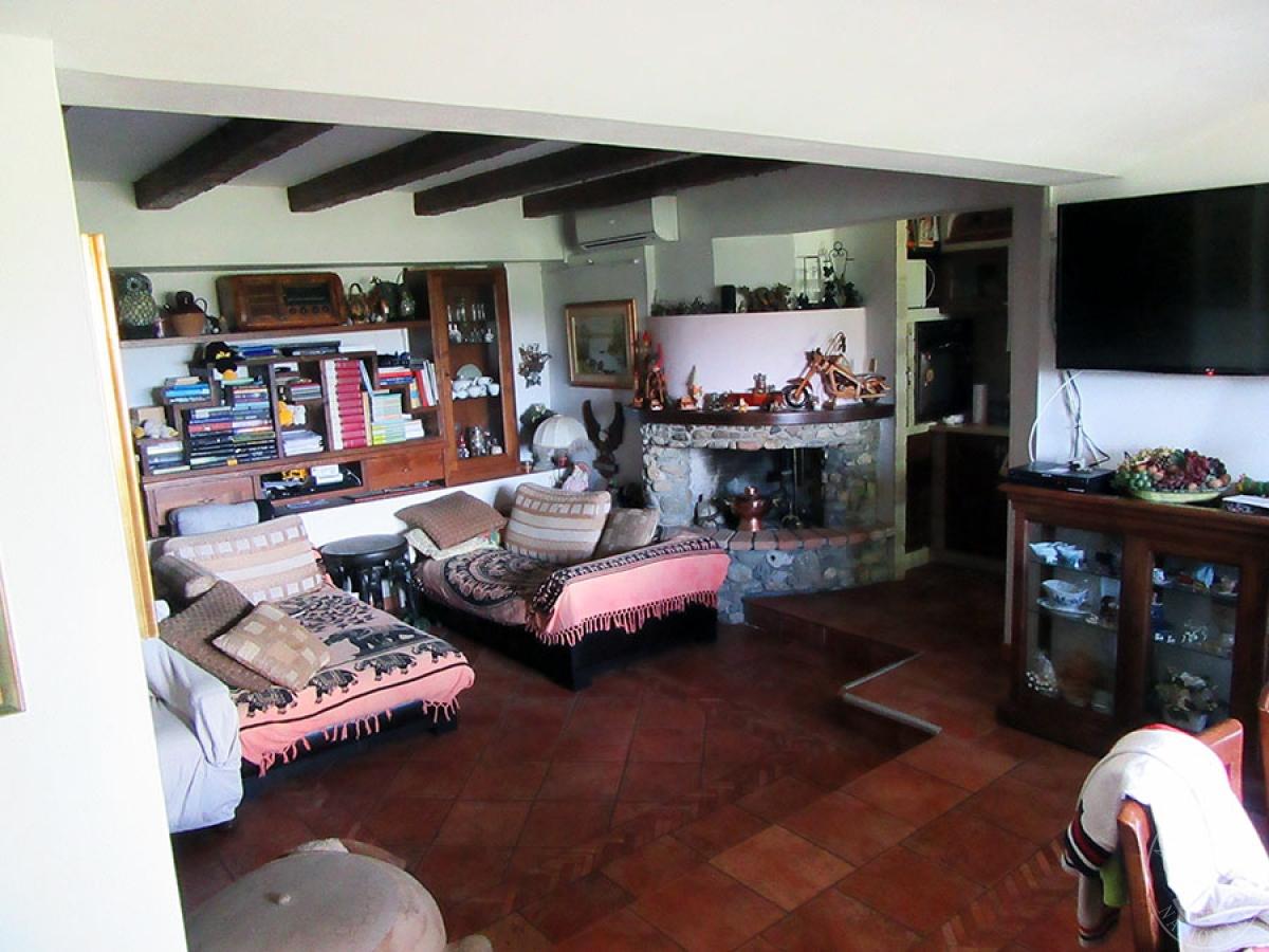 Appartamento a CHIUSI in loc. Montebello 18