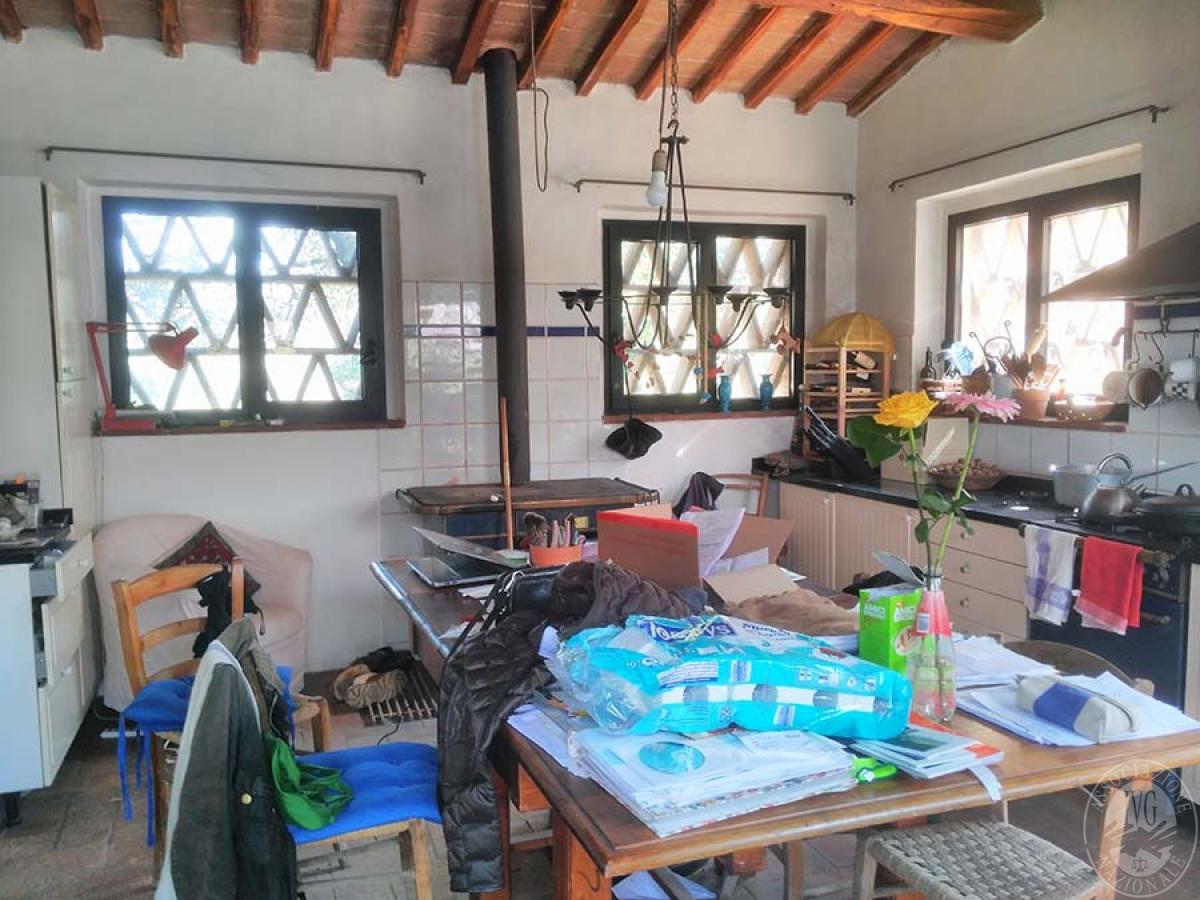 Appartamento e bottega in RADDA IN CHIANTI in loc. Case Sparse 3