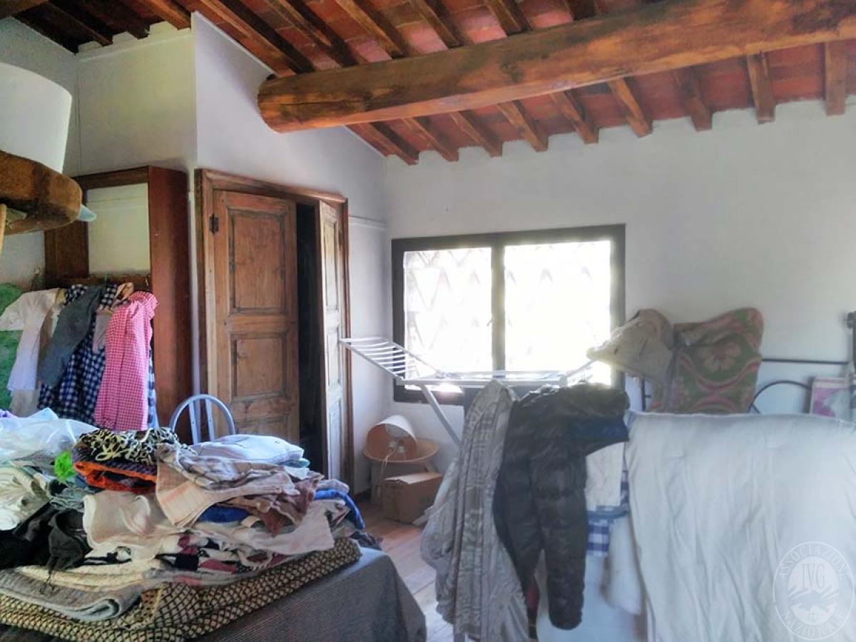 Appartamento e bottega in RADDA IN CHIANTI in loc. Case Sparse 7