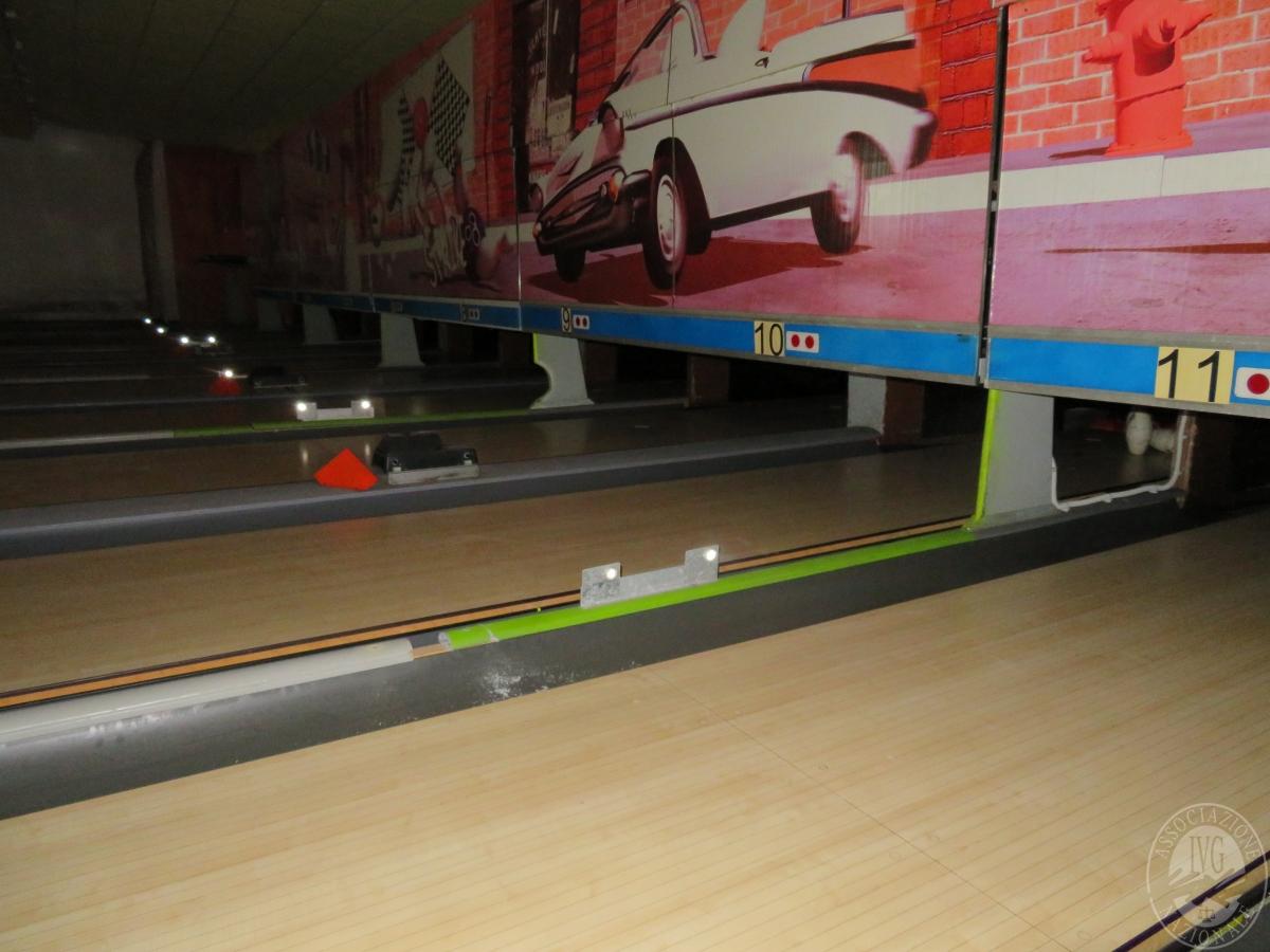 Impianto per bowling 12 piste, videogiochi e attrezzatura