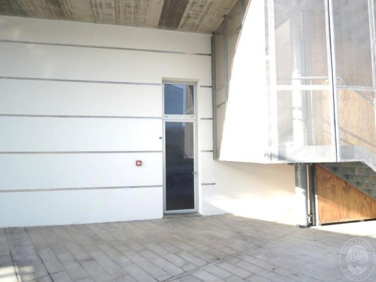 Locale commerciale arredato a SIENA, viale Sardegna - LOTTO 24 1