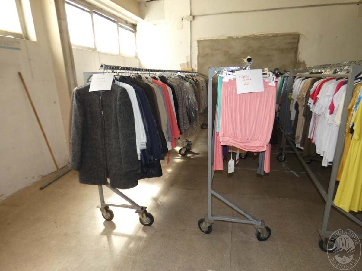 Lotto 13) Circa 6.000 capi d'abbigliamento vari   GARA DI VENDITA 5 DICEMBRE 2019 PRESSO I LOCALI IVG AREZZO CON GARA ONLINE RACCOLTA DI OFFERTE 3