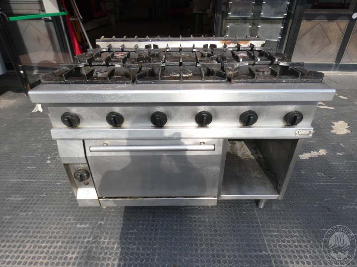 Cucina a gas a 6 fuochi con forno   GARA DI VENDITA 5 OTTOBRE 2019