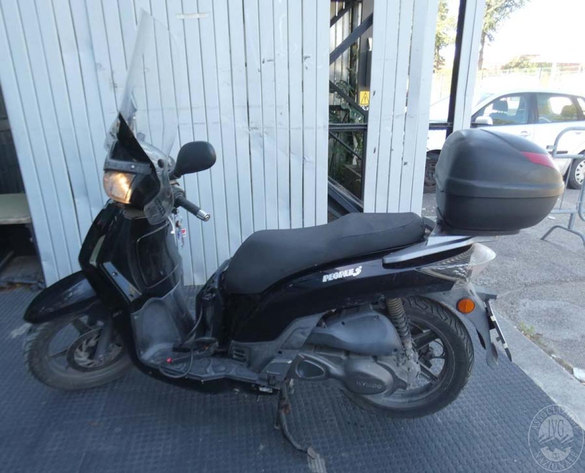 Motociclo Kymco mod. People S200 ANNO 2011   GARA DI VENDITA SABATO 7 DICEMBRE 2019
