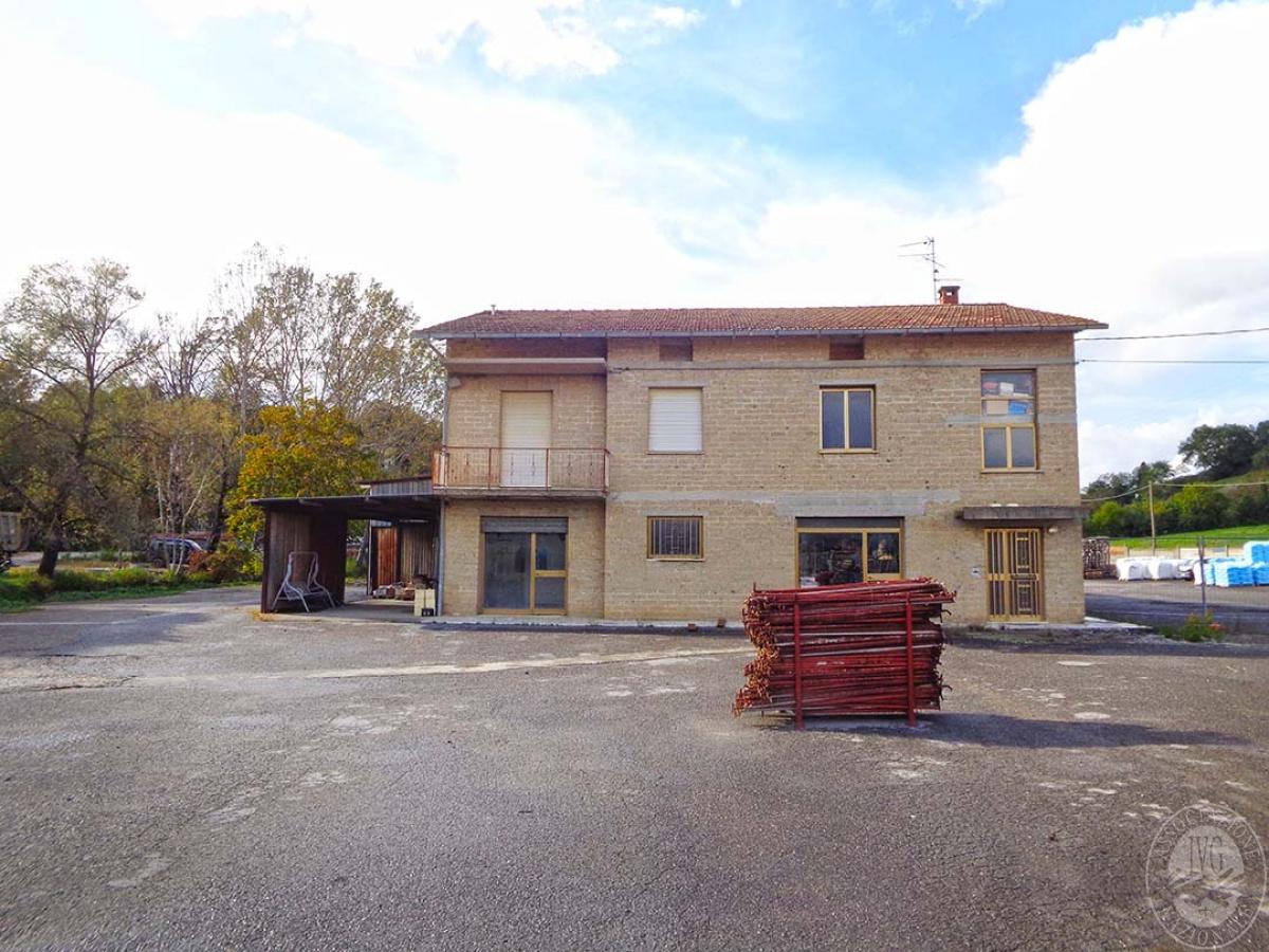 Opificio e abitazione a Chiusi Scalo in Via Montelunghino - Lotto 5