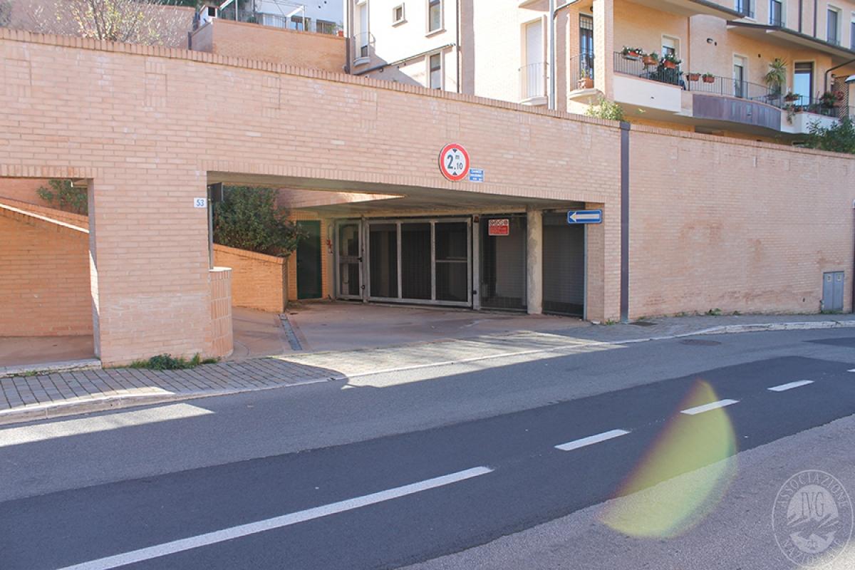 Garage a SIENA, via Caduti di Vicobello - LOTTI 183-184