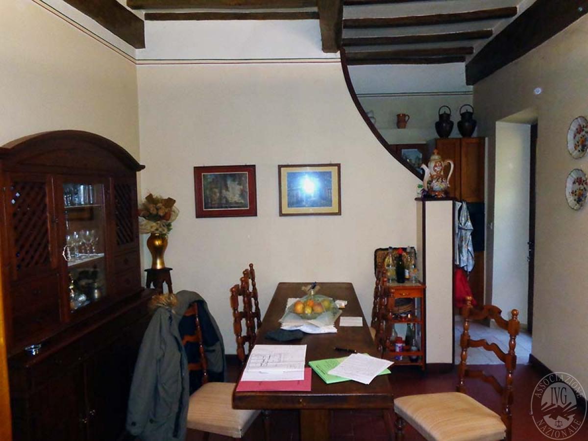 Appartamento, garage e laboratorio a CHIUSI in Via Santo Stefano - Lotto 3 2
