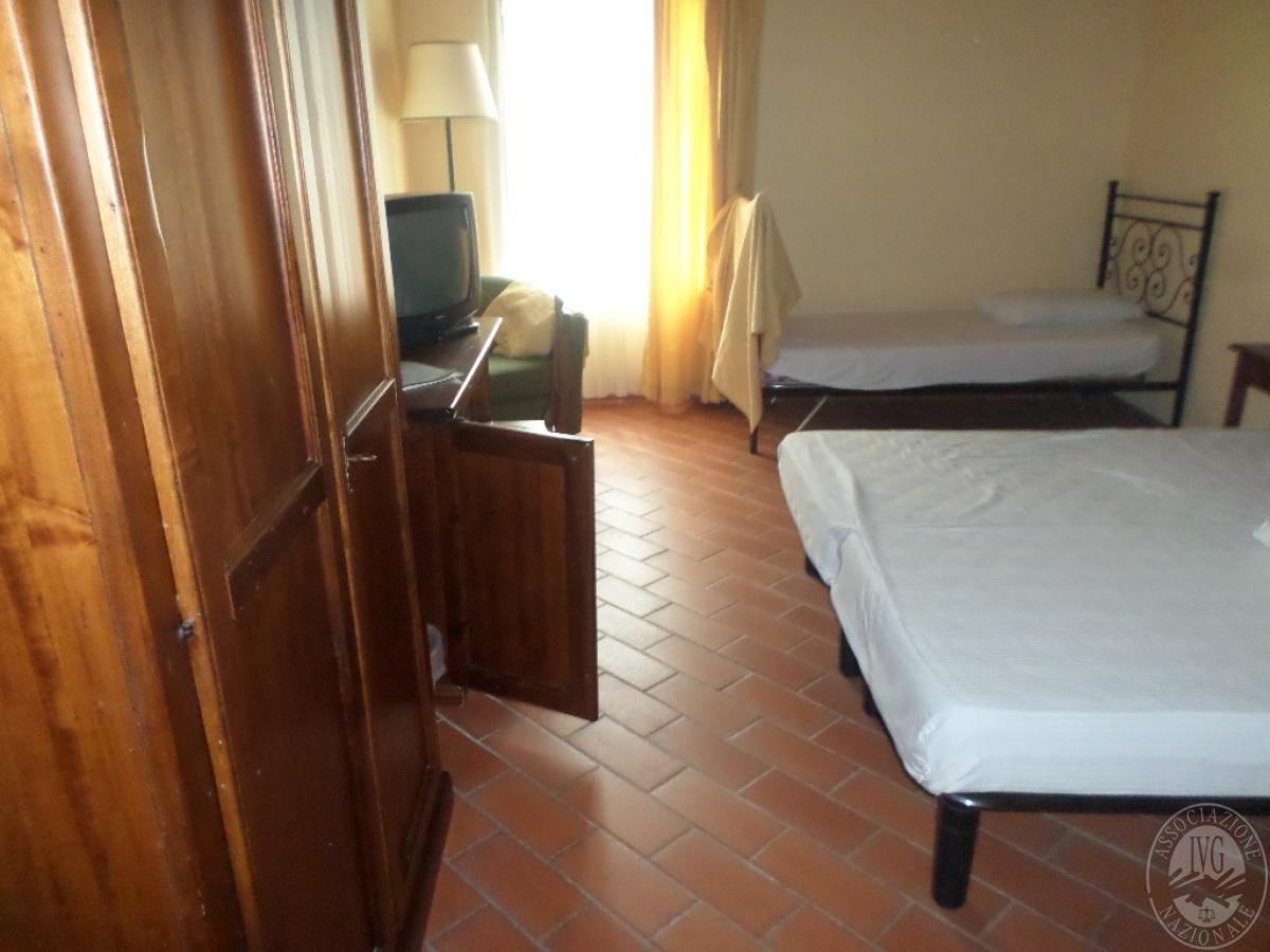 """Arredo per albergo, tavoli e sedie    VENDITA CON GARA ONLINE  """"RACCOLTA DI OFFERTE"""" 20 OTTOBRE 2020 26"""