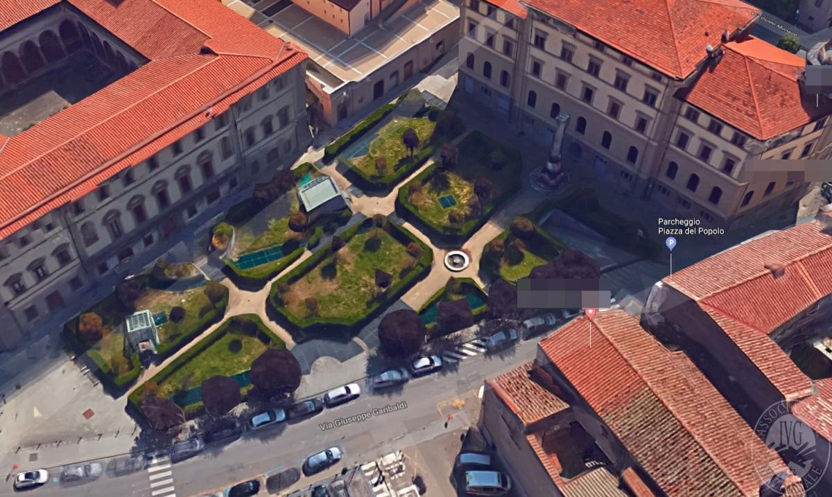 BOX AUTO ad Arezzo - Piazza del Popolo - Lotto 3