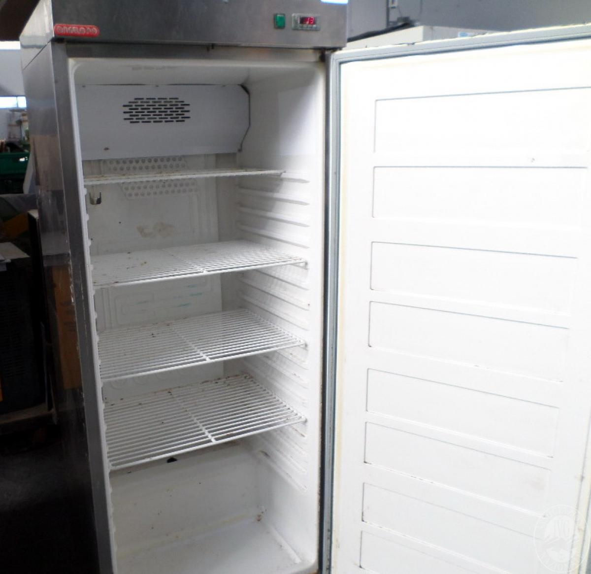 N. 2 frigoriferi in acciaio verticali   GARA ONLINE 1 OTTOBRE 2021 3