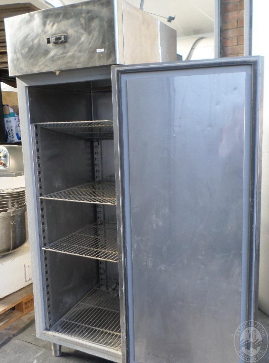 N. 2 frigoriferi in acciaio verticali   GARA ONLINE 1 OTTOBRE 2021 5
