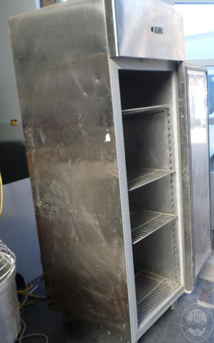 N. 2 frigoriferi in acciaio verticali   GARA ONLINE 1 OTTOBRE 2021 7