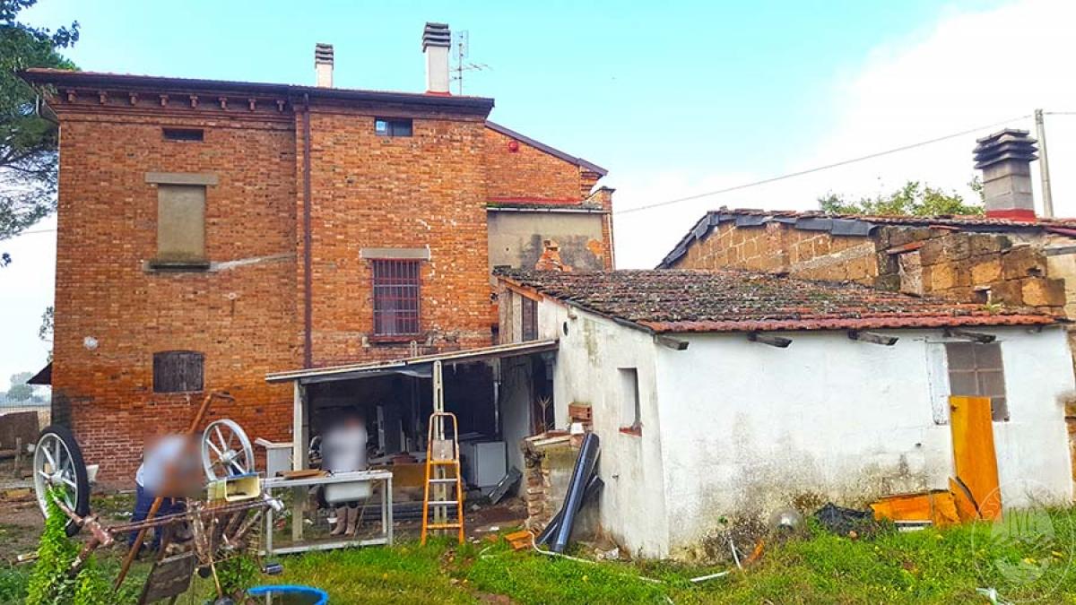 Casa colonica a CORTONA in C.S. Chianacce 21