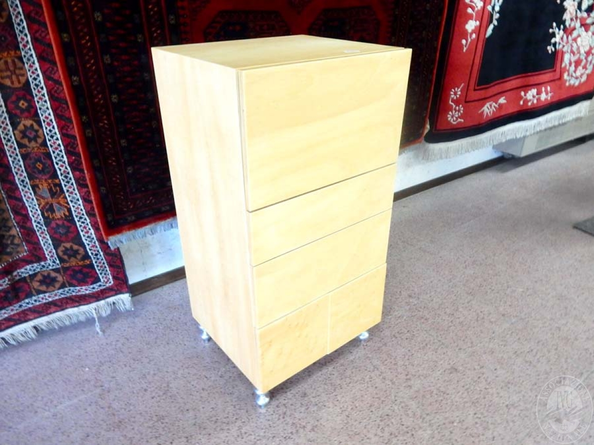 Rif. 5) Arredo di design : Cassettiera in legno di betulla       GARA ONLINE 29 OTTOBRE 2021 2