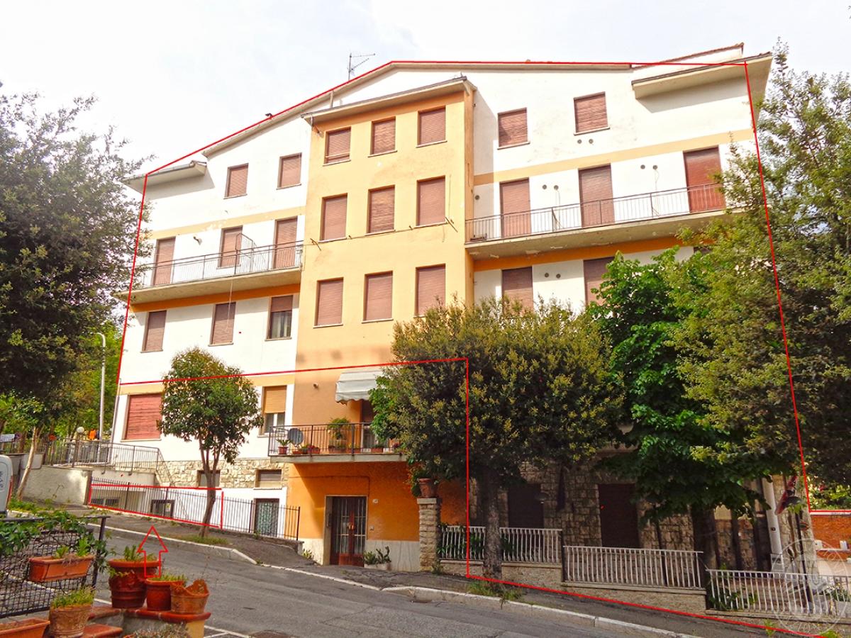 Albergo a CHIANCIANO TERME in Via Paolo Ingegnoli