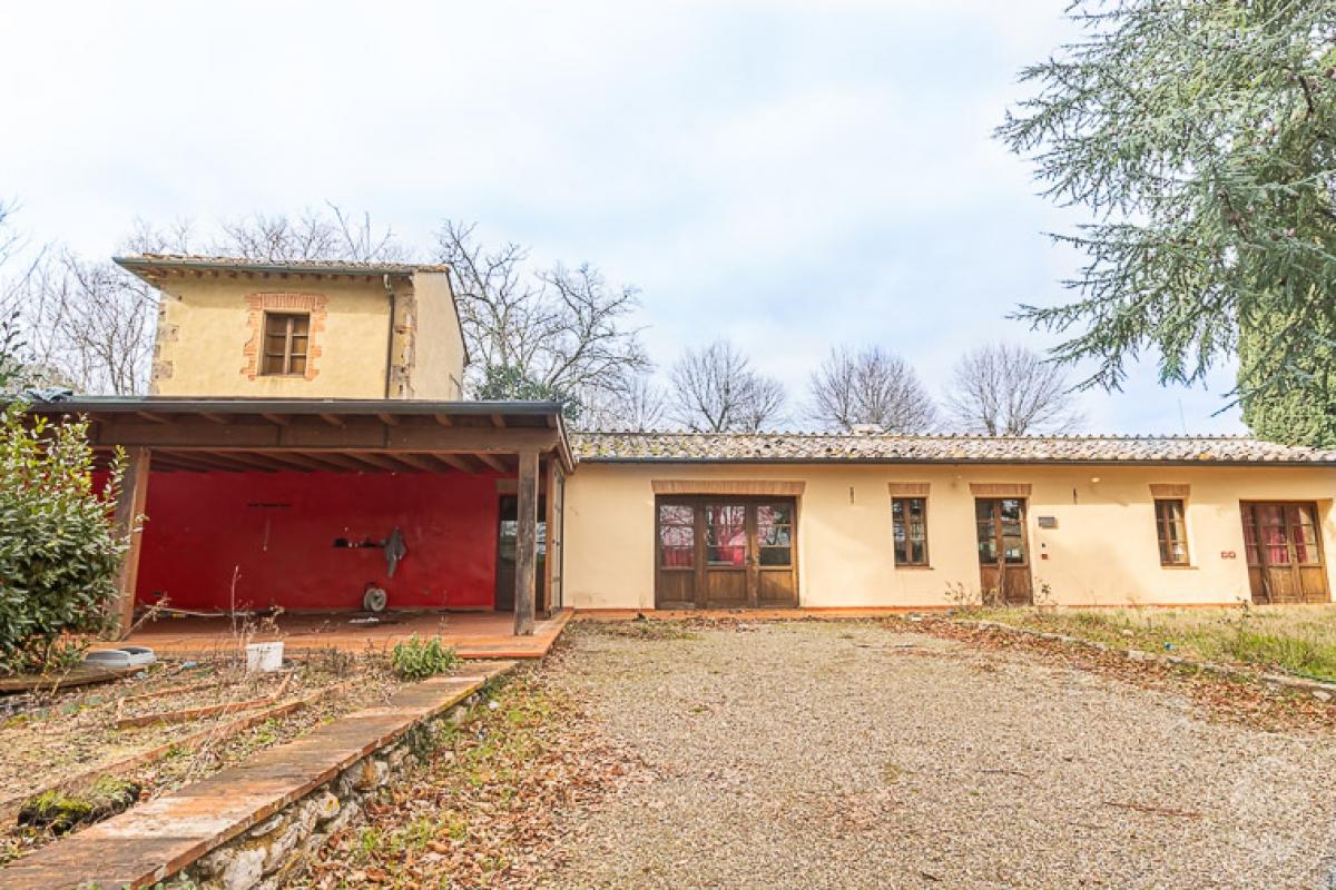 Villa e ristorante a CASOLE D'ELSA in loc. Mucellena-Maggiano 0