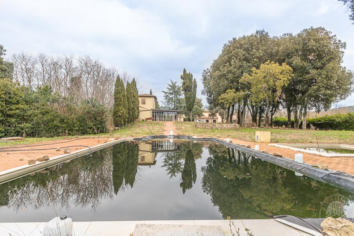 Villa e ristorante a CASOLE D'ELSA in loc. Mucellena-Maggiano 3