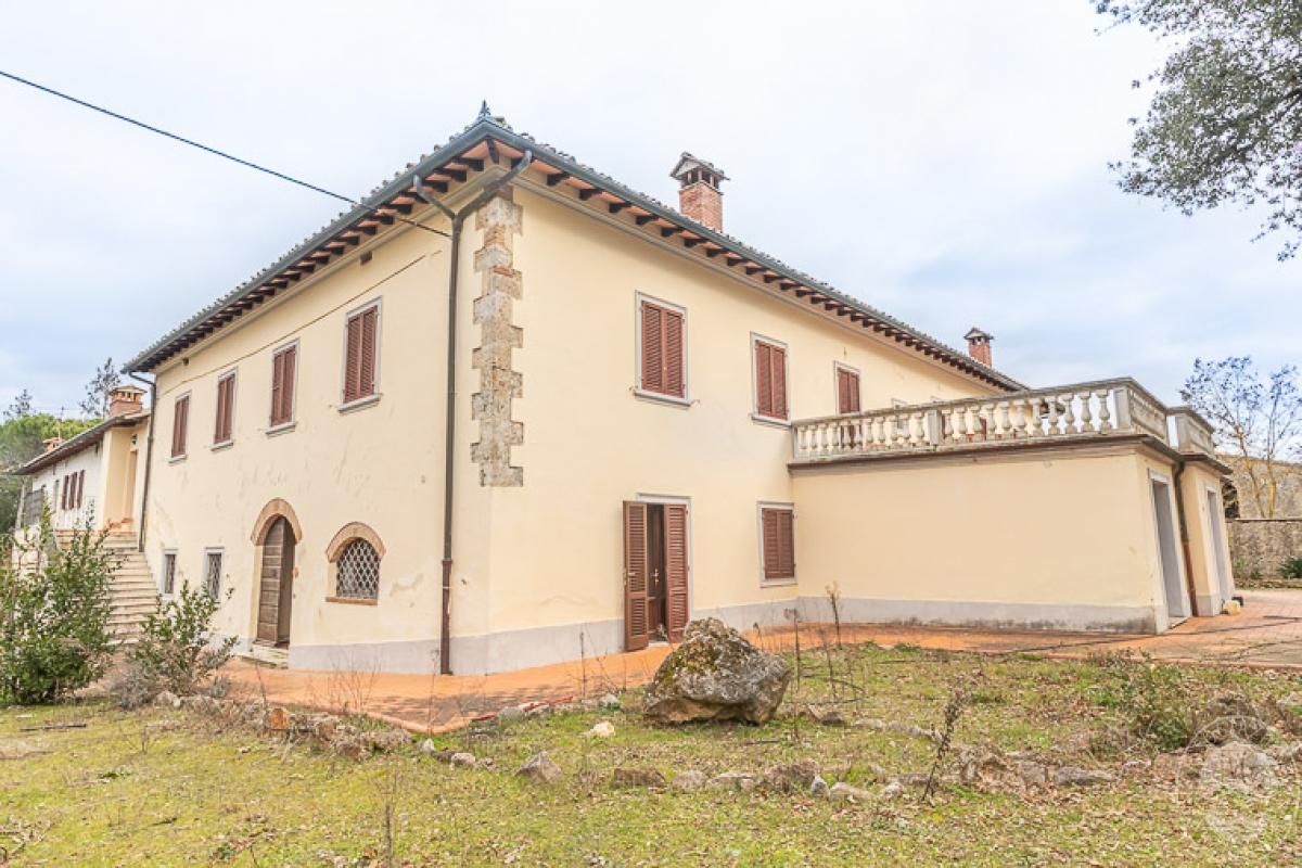 Villa e ristorante a CASOLE D'ELSA in loc. Mucellena-Maggiano 5