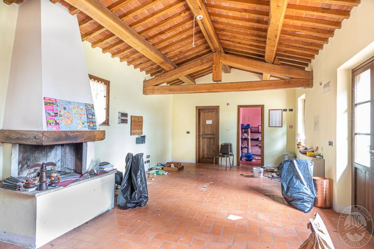 Villa e ristorante a CASOLE D'ELSA in loc. Mucellena-Maggiano 9