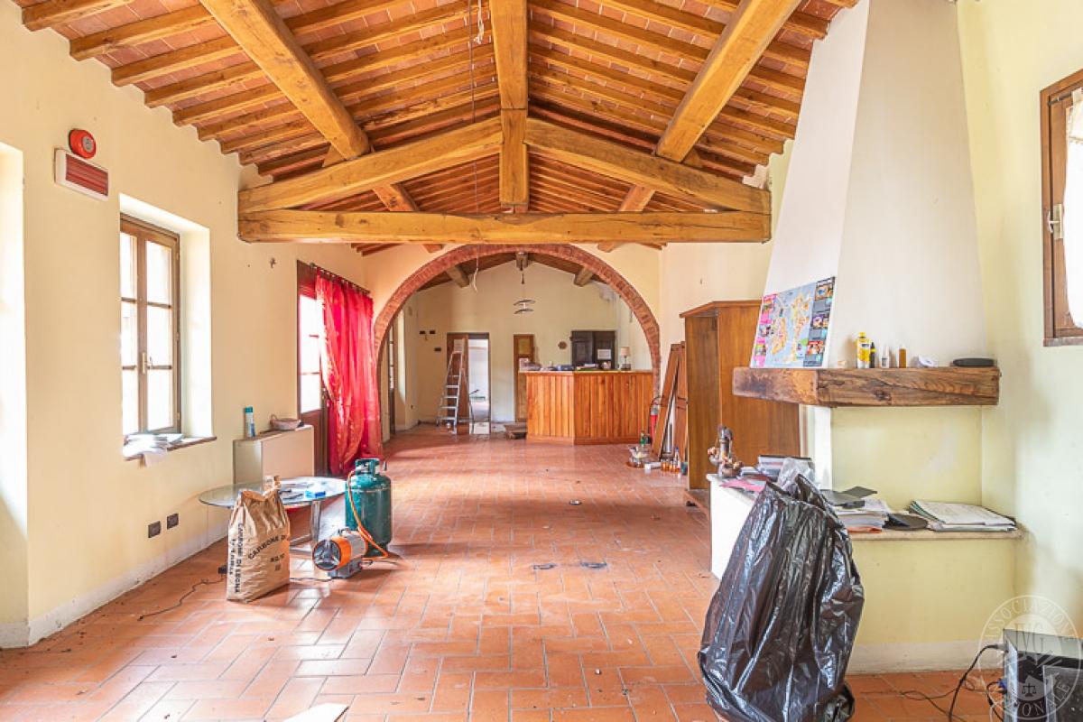 Villa e ristorante a CASOLE D'ELSA in loc. Mucellena-Maggiano 10