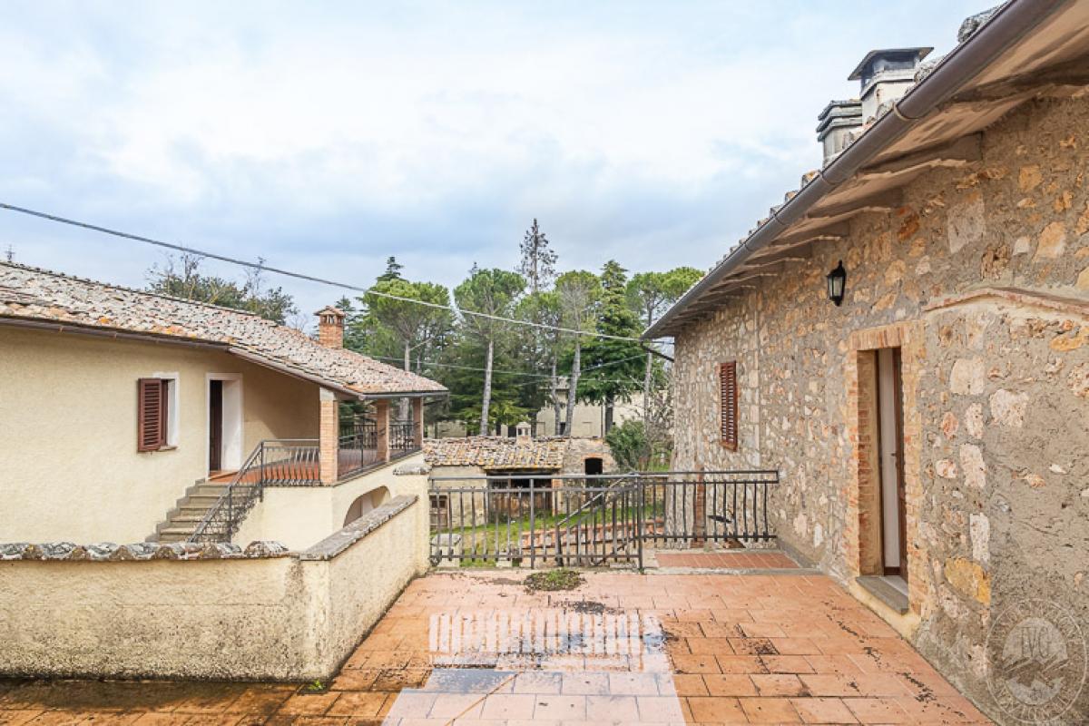 Villa e ristorante a CASOLE D'ELSA in loc. Mucellena-Maggiano 18