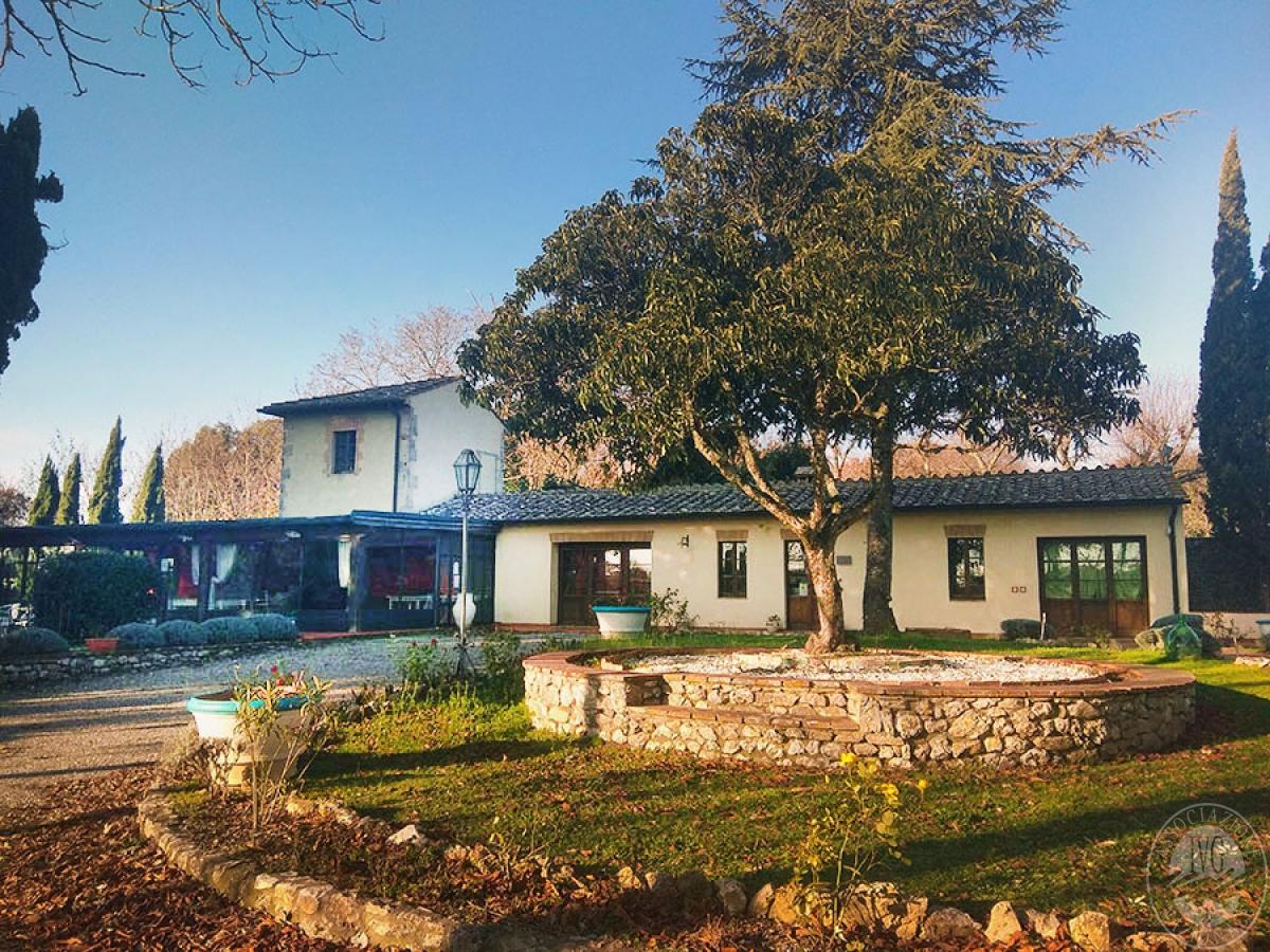 Villa e ristorante a CASOLE D'ELSA in loc. Mucellena-Maggiano 23