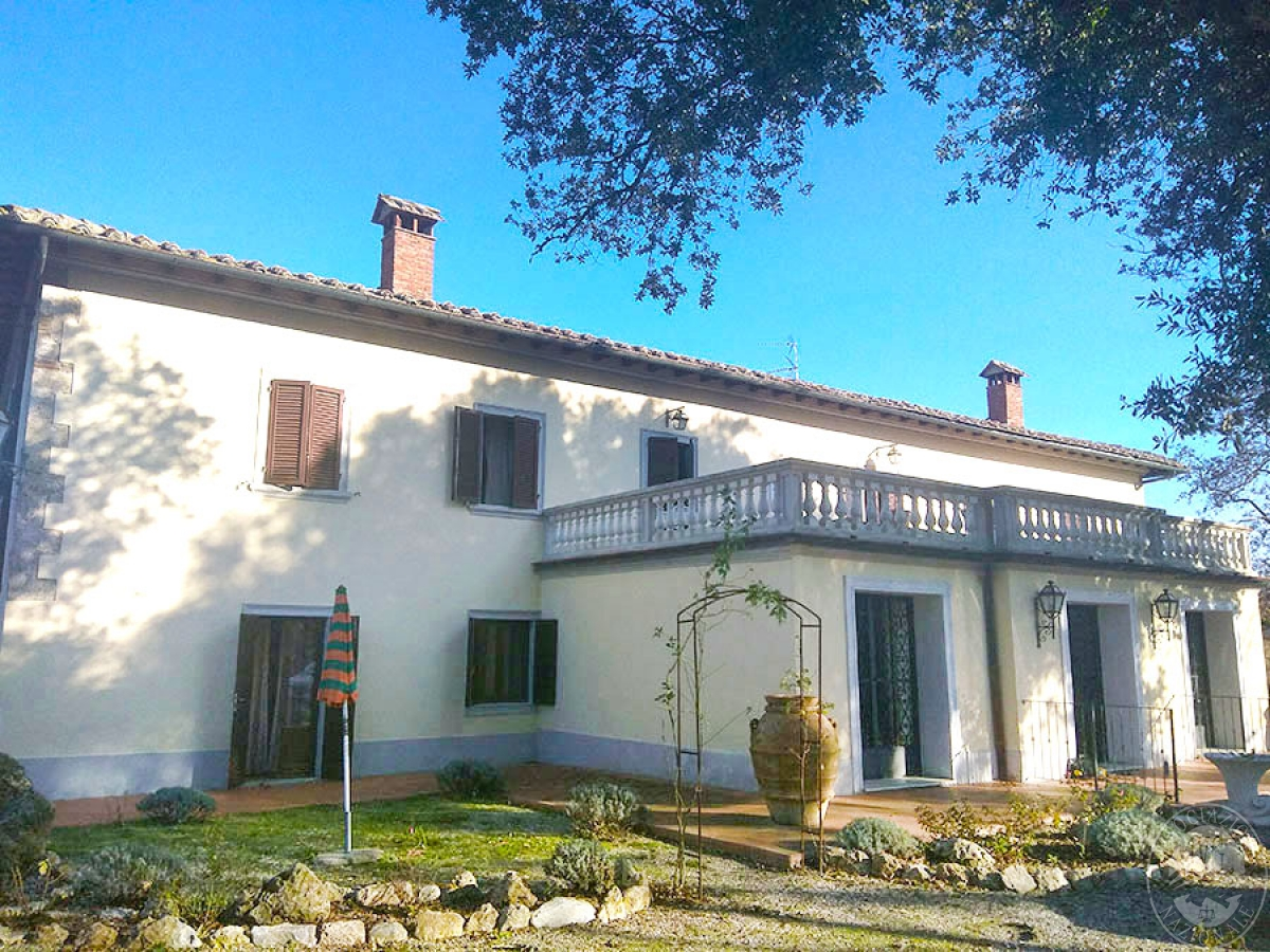 Villa e ristorante a CASOLE D'ELSA in loc. Mucellena-Maggiano 32