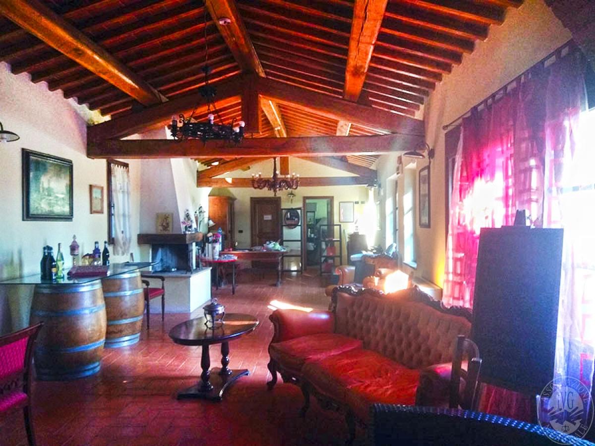 Villa e ristorante a CASOLE D'ELSA in loc. Mucellena-Maggiano 53