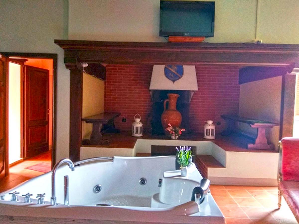 Villa e ristorante a CASOLE D'ELSA in loc. Mucellena-Maggiano 56