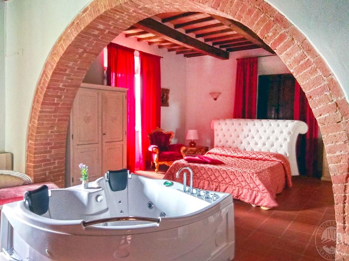 Villa e ristorante a CASOLE D'ELSA in loc. Mucellena-Maggiano 55