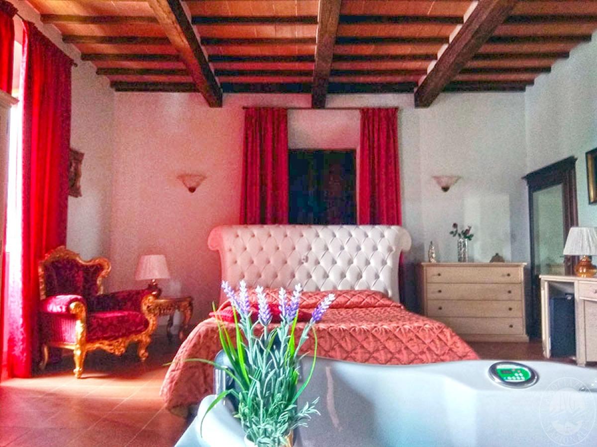 Villa e ristorante a CASOLE D'ELSA in loc. Mucellena-Maggiano 57
