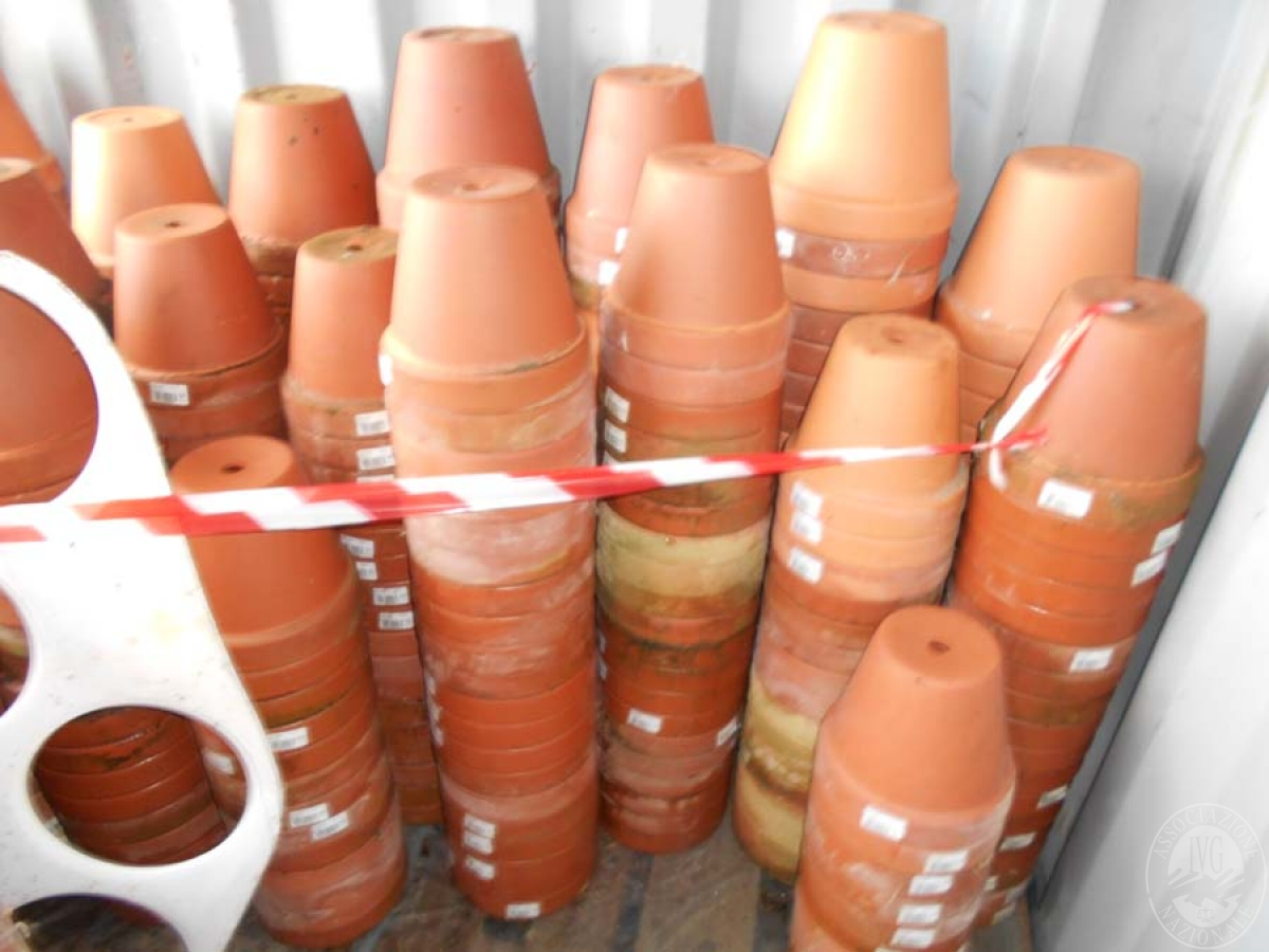 Lotto 4D) N. 500 vasi in terracotta     GARA ONLINE 22 OTTOBRE 2021