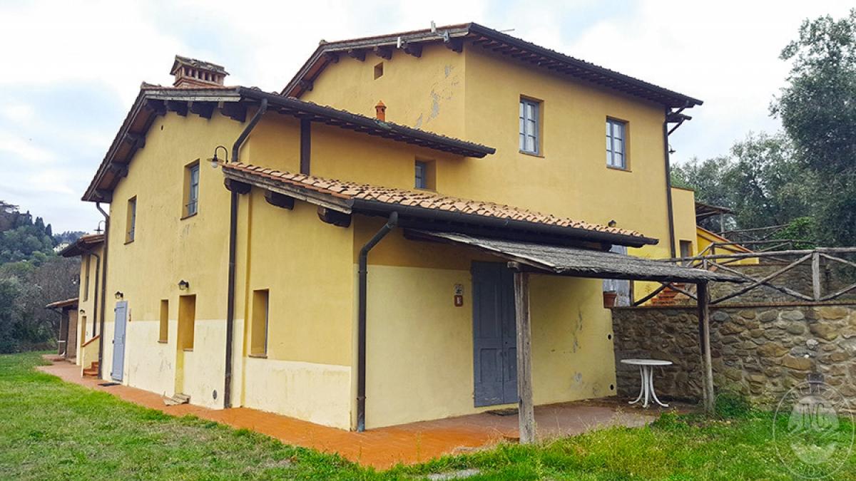 Borgo a CAVRIGLIA in loc. Fontebussi - Lotto 2 0