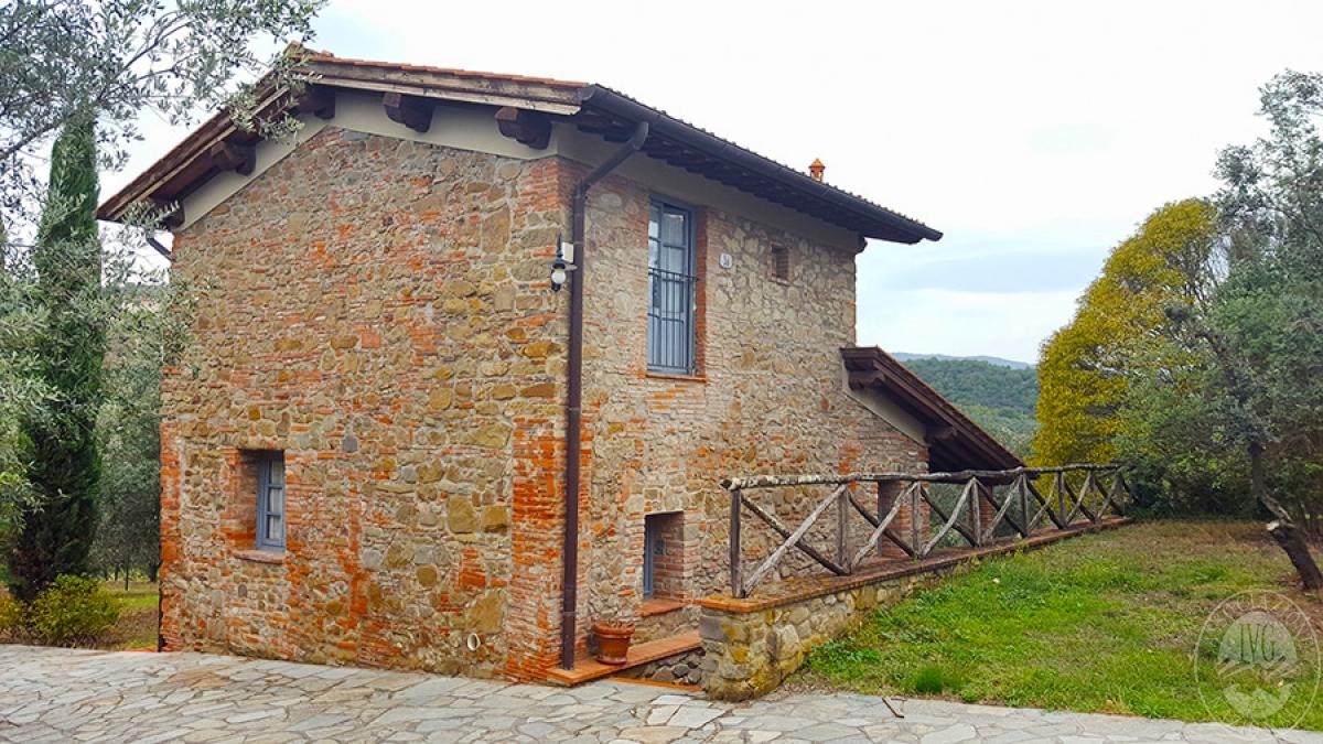 Borgo a CAVRIGLIA in loc. Fontebussi - Lotto 2 2