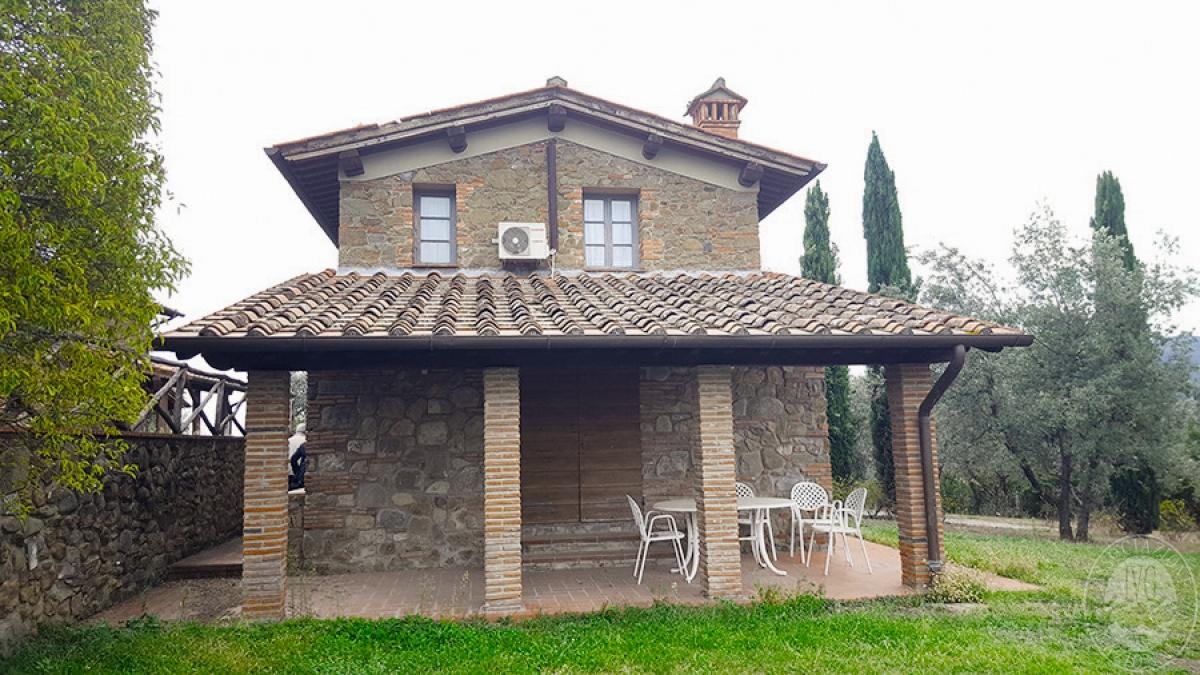 Borgo a CAVRIGLIA in loc. Fontebussi - Lotto 2 3