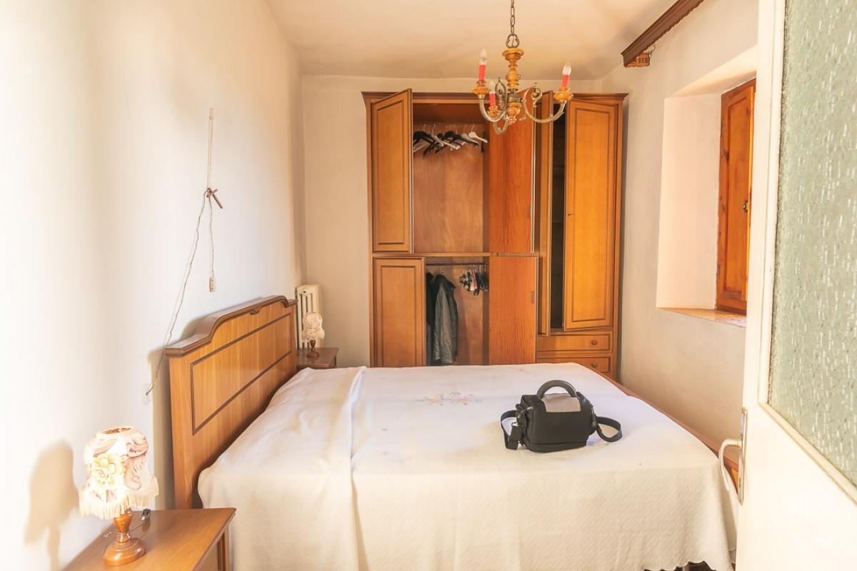 Appartamento e magazzino a CASOLE D'ELSA in Via della Suvera 2