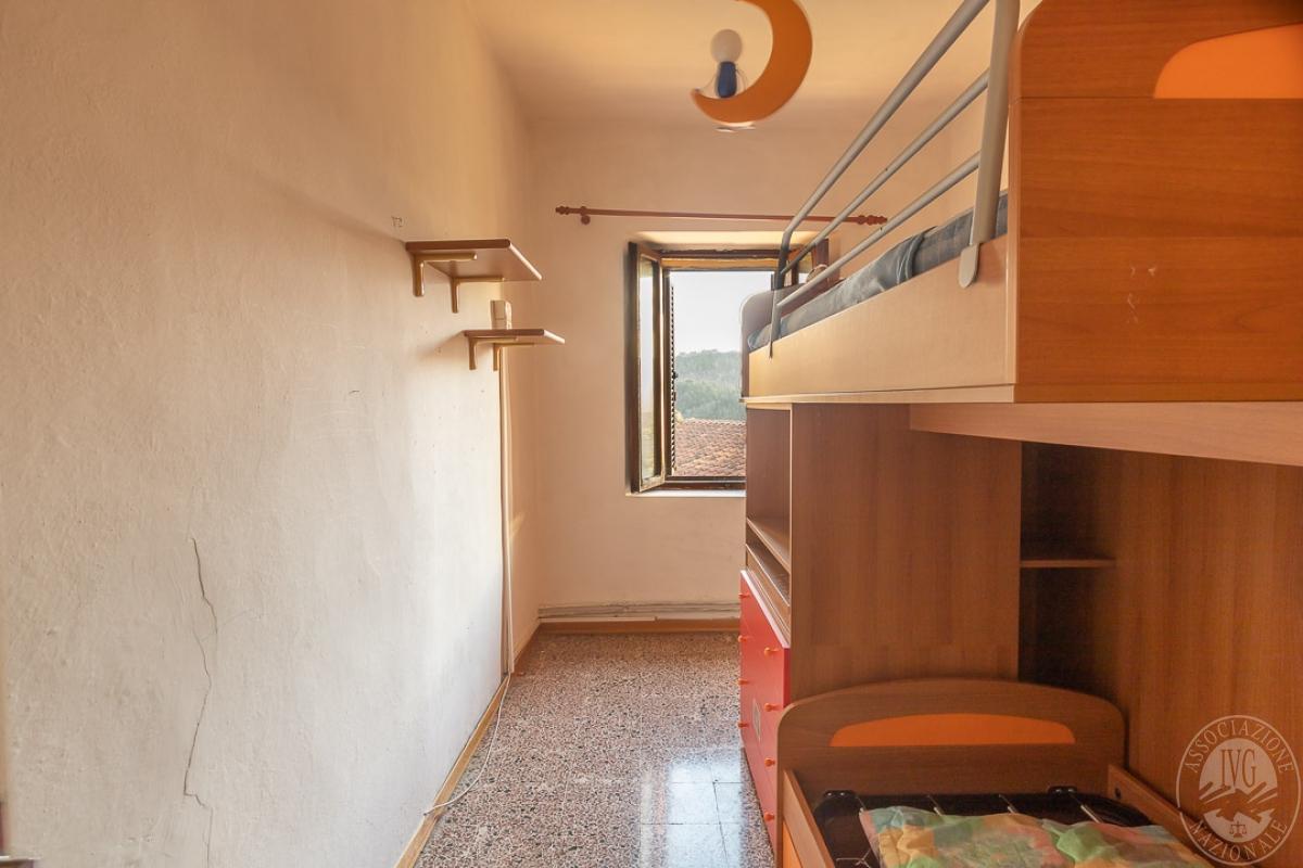 Appartamento e magazzino a CASOLE D'ELSA in Via della Suvera 4